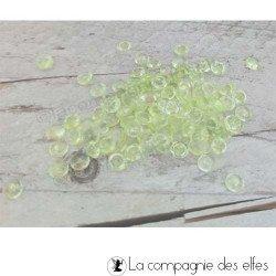 Perles d'eau transparentes jaunes