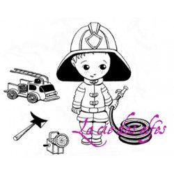Léo en tenue de pompier tampon nm