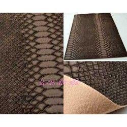 feuille faux cuir façon serpent marron