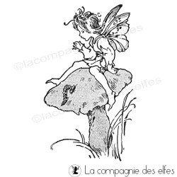 Felicia petit elfe sur son champignon tampon nm